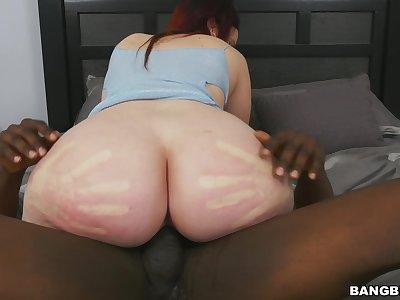 Curvy woman rides heavy BBC