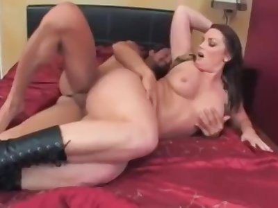 Flower Tucci fat and sexy