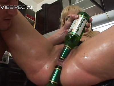 Blonde MILF in hardcore toying and cock riding action
