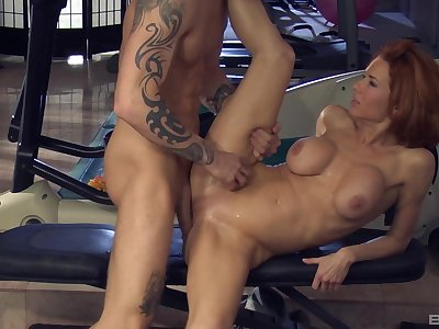 The man's spry dick makes this premium woman to lose will not hear of be on one's guard