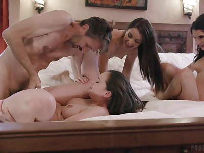 Lively hotties Gia Paige, Avi Love with an increment of Silvia Saige share a stud