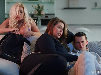 Busty tow-headed MILF Michelle Thorne opens her legs to ride a younger impoverish