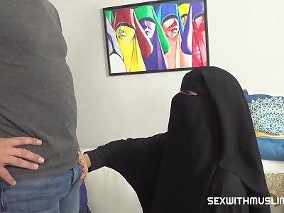 Hijabi's Tight Boobies - Arab