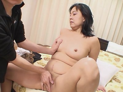 Horny chick Mako Anzai gets her paws on a friend's hard dick